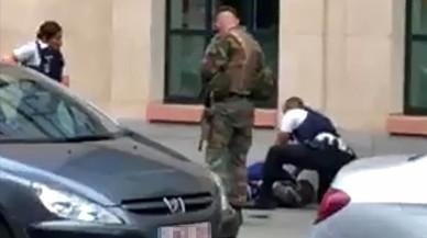 Abatut a Brussel·les un home que ha atacat dos militars amb un ganivet