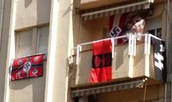 Sabadell denuncia a un vecino por colgar en el balc�n s�mbolos nazis