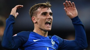 rpaniagua34616834 france s forward antoine griezmann celebrates after scoring 160707225904