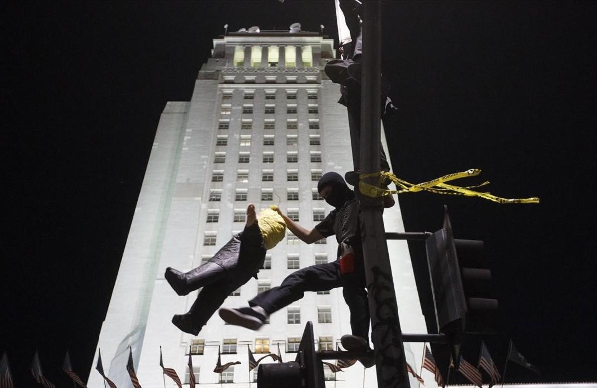 Manifestación contra la eleccion de Donald Trump en Los Angeles