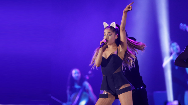 Ariana Grande reprendrà els concerts a París i Barcelona.