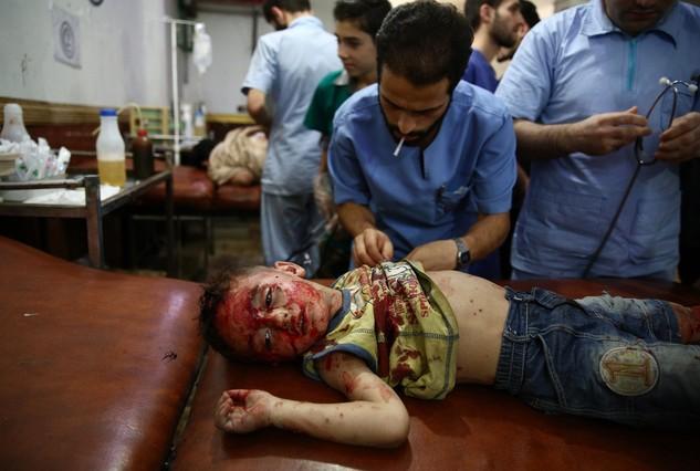 Los bombardeos del régimen sirio matan a 250 civiles en 10 días en Duma  30820218-1440662080390