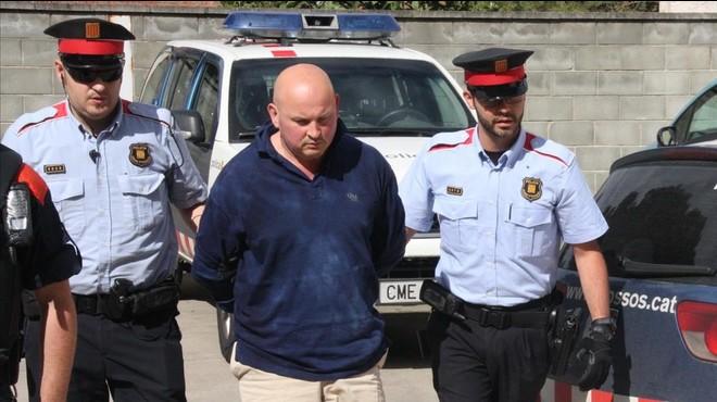 Antonio Alcaraz, a su llegada al juzgado de Santa Coloma de Farners en mayo del 2013