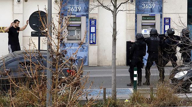 S'entrega l'atracador de l'oficina de Correus al nord de París