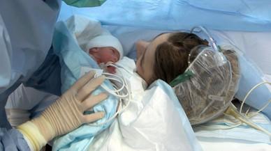 Baixen els naixements a Catalunya i la maternitat s'endarrereix als 32 anys