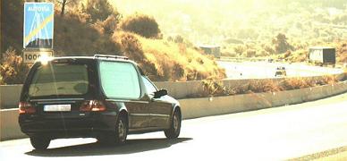 Detectado un coche f�nebre que circulaba a 130 km/h con un difunto