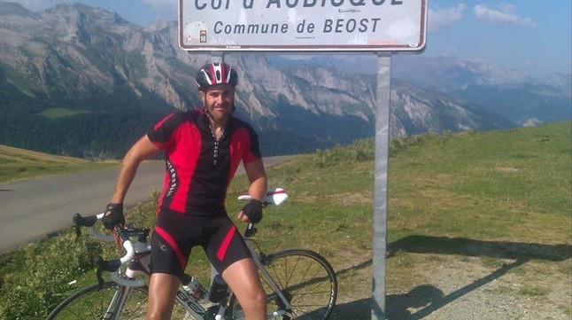 Las estrellas del ciclismo espa�ol se movilizan en favor de un cicloturista arrollado por un cami�n