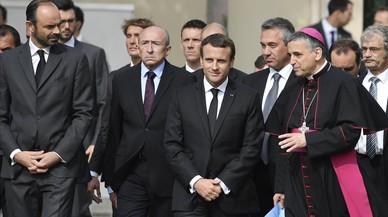 Macron s'enfrontarà al setembre amb la realitat de la política interna