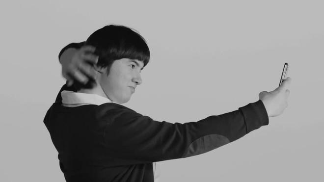 El vídeo, protagonizado por personas con autismo, nos habla de la dependencia que genera el móvil