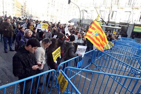 Barcelona y Lloret salen a la calle para protestar contra la corrupci�n