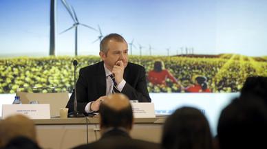 El Gobierno se compromete a planificar la energía con consenso