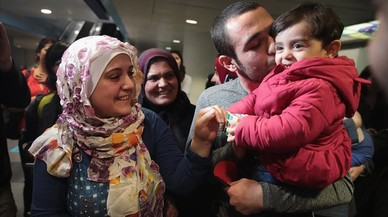 Una familia siria llega a Chicago procedente de Turquía.