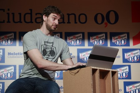 Pau Gasol, durante la rueda de prensa para presentar una campaa publicitaria este viernes en Barcelona. FERRAN NADEU
