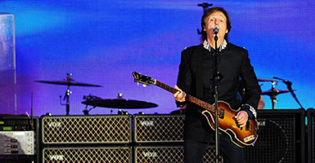 El artista brit�nico Sir Paul McCartney en un concierto en el Palacio de Buckingham en Londres, el 4 de junio de 2012.