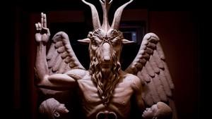 estatua de satán