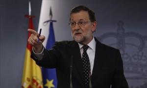 El presidente del Gobierno en funciones, Mariano Rajoy, esta tarde en rueda de prensa.