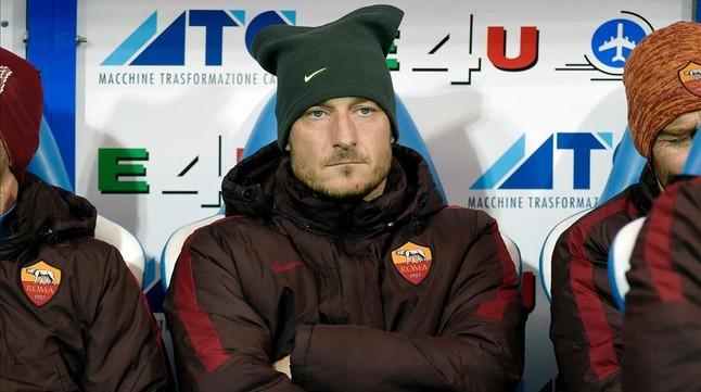 El capitán de la Roma, Francesco Totti en el partido contra el Empoli