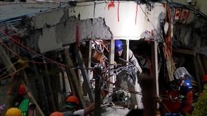 Trabajos de rescate en la escuela Enrique Rebsamen de México tras el terremoto.