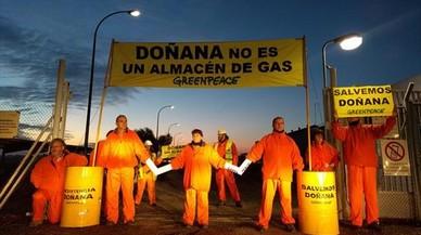 Activistes de Greenpeace paren les obres de Gas Natural a Doñana en una acció de protesta