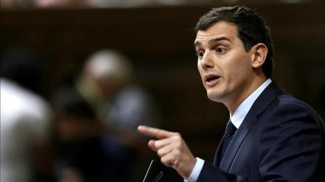 Rivera demana la jubilació de Rajoy però intentarà atraure el PP al pacte
