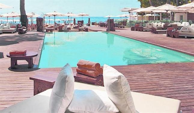 El cn barcelona se renovar con 39 beach club 39 y restaurante for Beach club barcelona