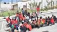 Cientos de inmigrantes logran entrar en un asalto masivo a la valla de Ceuta