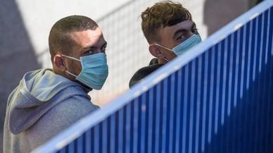 Allau de crítiques al Govern pel trasllat de 500 immigrants a una presó