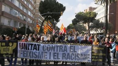 Los Mossos separan las marchas ultra y antifascista de Barcelona