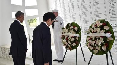Obama i Abe, junts a Pearl Harbour en una visita històrica
