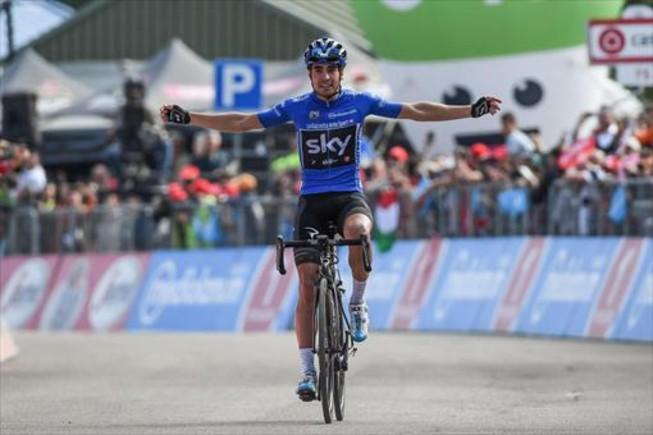 Mikel Landa celebra su primer triunfo de etapa en este Giro, ayer.