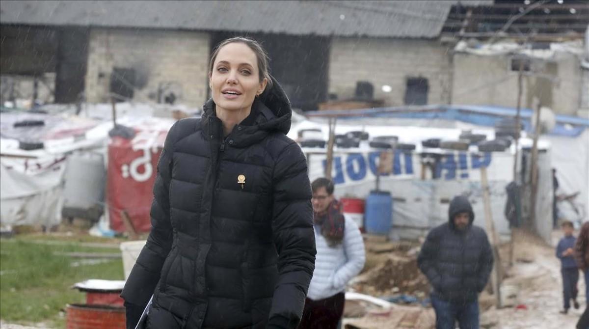 """Angelina Jolie exige soluciones para """"evitar una mayor crisis en el futuro"""""""