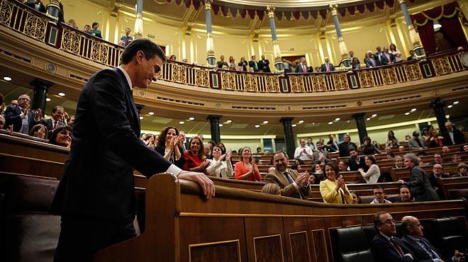 """Durante su discurso de investidura, Pedro Sánchez ha reclamado""""mestizaje ideológico"""" porque la izquierda """"no suma""""."""