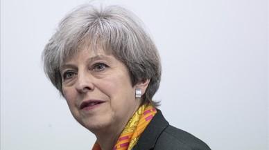 May pide el voto para negociar un mejor 'brexit' y promete limitar la inmigración