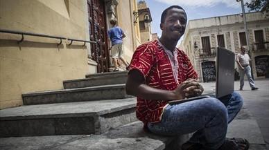 Mamadou Korka Diallo: «Sin estudios iba a ser otro senegalés del 'top manta'»