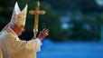El papa Benedicto XVI , durante la misa en la plaza Antonio Maceo de Santiago, el lunes.