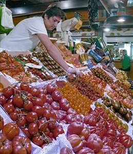 Variedad de tomates en el puesto Torrent del mercado de Santa Caterina.