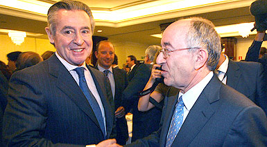 Miguel Blesa (izquierda), junto al exgobernador del Banco de Espaa, Miguel ngel Fernndez Ordez. AGUSTN CATALN