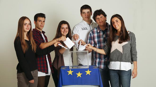 Entre Todos: Elecciones Europeas: Encuentro con jóvenes que votarán por primera vez