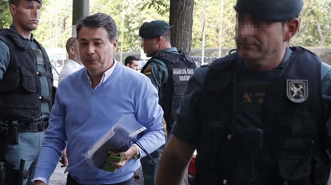 El juez colocó un micrófono en el despacho de González ante su hermetismo hablando por el móvil