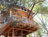 La vivienda de tres pisos y 12 metros de altura que un abuelo estadounidense ha construido sobre un �rbol para sus nietos.