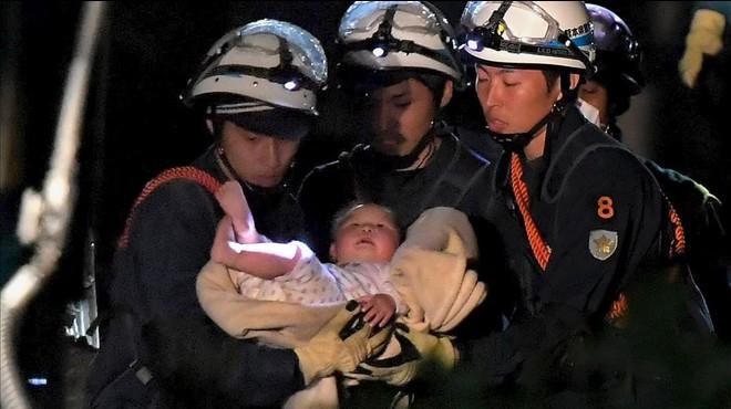Les rèpliques i la pluja dificulten les tasques de rescat després dels forts terratrèmols del Japó