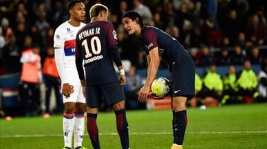 Embolic al PSG: Neymar i Cavani es barallen sobre qui tira penals i faltes