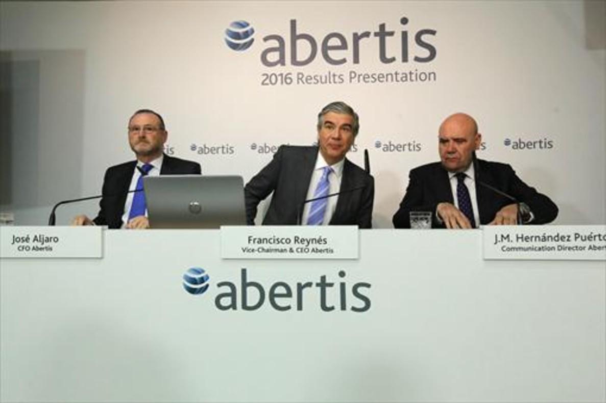 Atlantia lanza una opa por la totalidad de Abertis a 16,5 euros por acción