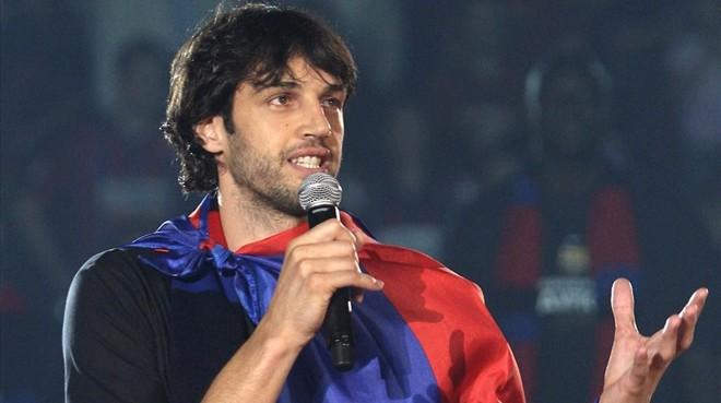Gianluca Basile celebrando el título de campeón de la Euroliga con el Barcelona