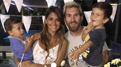 Messi i Antonella Roccuzzo es casaran a l'Argentina el 2017