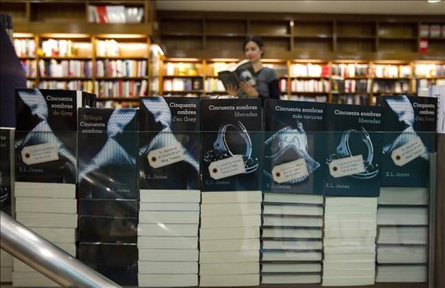 Los lectores opinan sobre el éxito de la novela erótica '50 sombras de Grey'