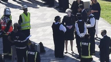 Els bombers eleven a 17 la xifra de morts en l'incendi de Londres