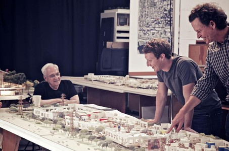 Frank Gehry con Mark Zuckerberg y el nuevo edificio de Facebook.