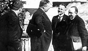El canciller Joseph Wirth (centro) con la delegaci�n sovi�tica en Rapallo, 1922.