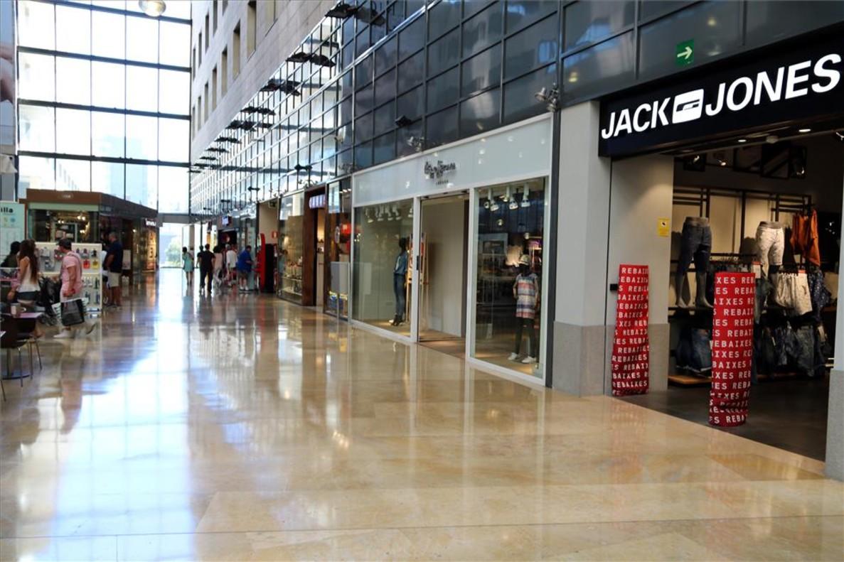 El govern incluir los centros comerciales en el impuesto - Centro comercial illa diagonal ...